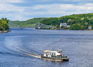 Connecticut River cruises (Haddam)